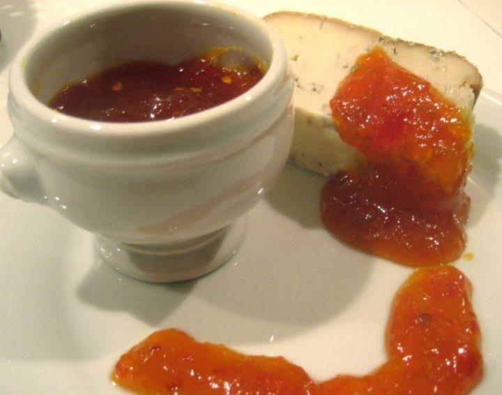Marmellata piccante di peperoni gialli e rossi al profumo di grappa e marsala