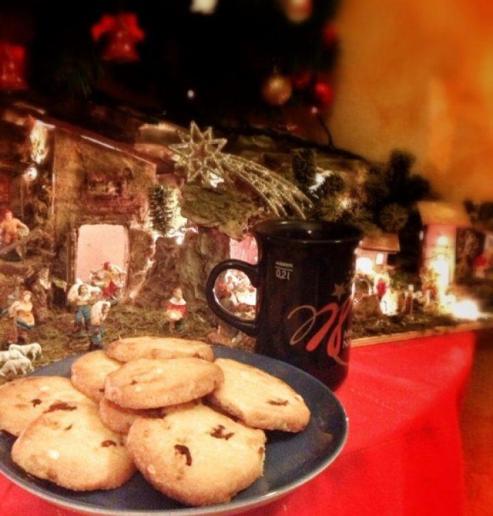 Cookies al cioccolato bianco, mirtilli e pinoli