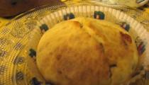 Muffins salati gorgonzola, pere e noci