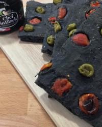 Focaccia con carbone vegetale